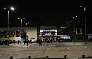 Plazoleta del Portal Américas estrena moderno alumbrado público